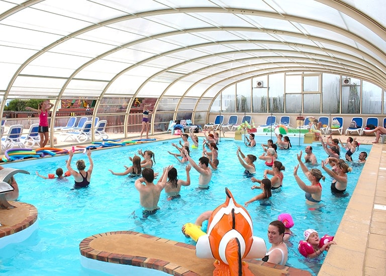 piscine couverte chauffée animations camping