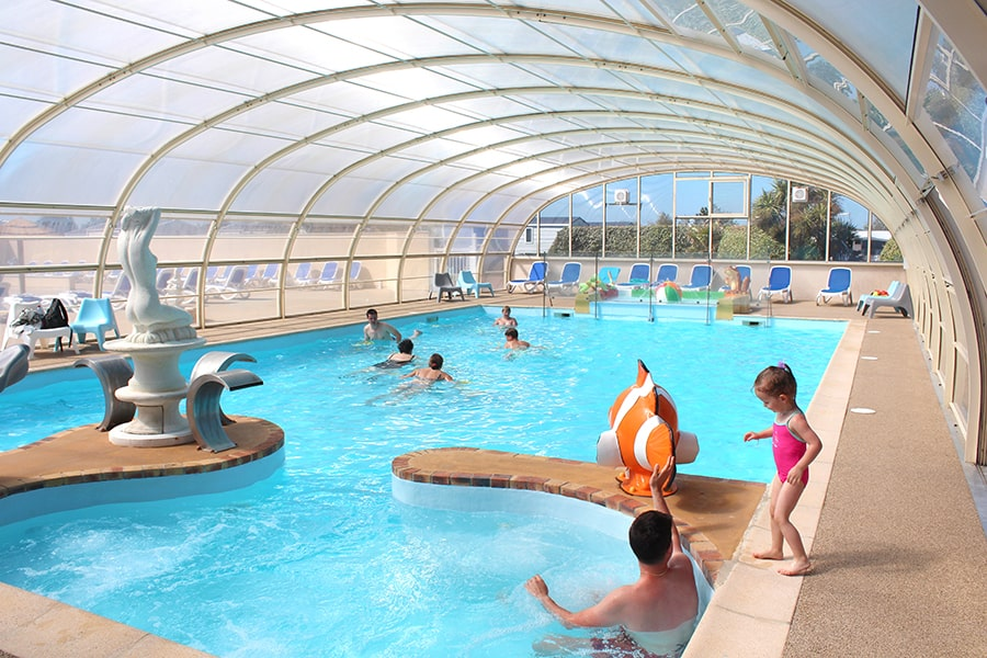 piscine couverte chauffée camping cotentin